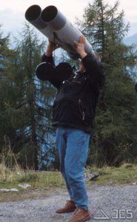 Fujinon 25x150 MT, menschliches Stativ, nicht zur Nachahmung empfohlen